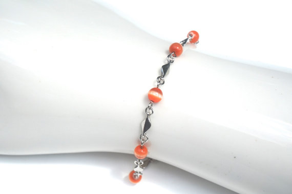 Orange Cats Eye Bead Bracelet