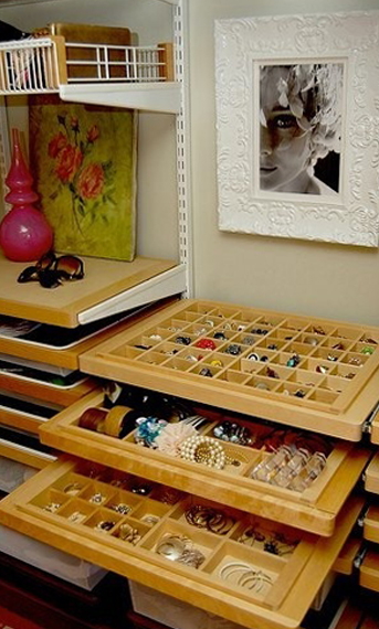 Have-Easy-Access-with-Pull-Out-Trays
