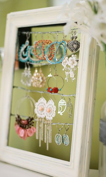 Simple-Tabletop-Display-for-Earrings