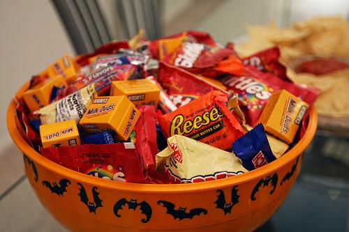 9-most-popular-halloween-treats-to-buy