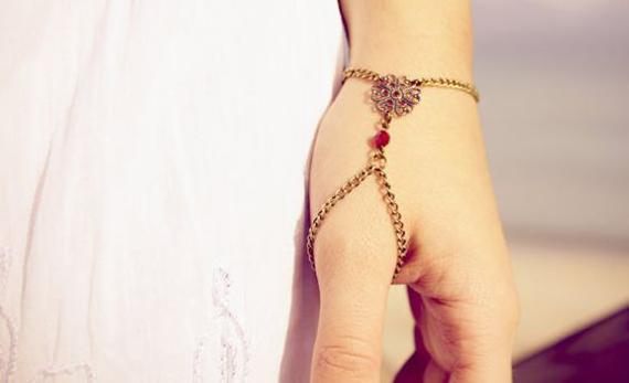 Beaded-Thumb-Chain-Slave-Bracelet