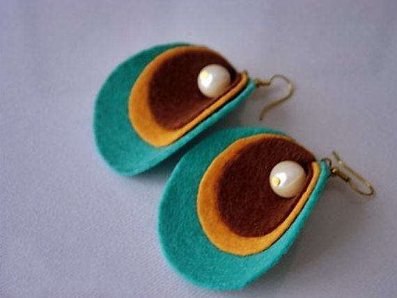 Circle-Wrapped-with-Bead-Felt-Earrings