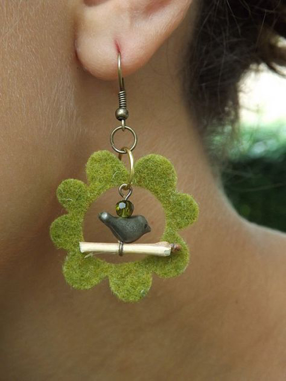 Flower-Felt-Earring-with-Charm-Accent
