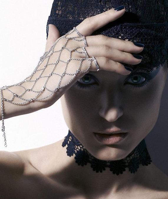 Gloved-Slave-Chain-Bracelet