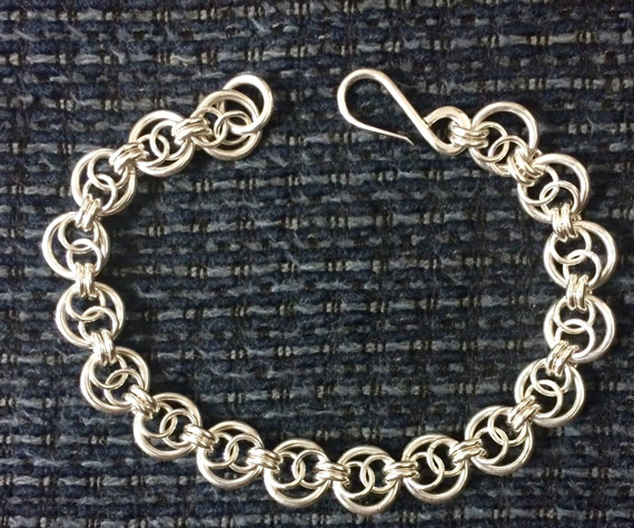 Infinity-Jump-Ring-Link-Chainmaille-Bracelet