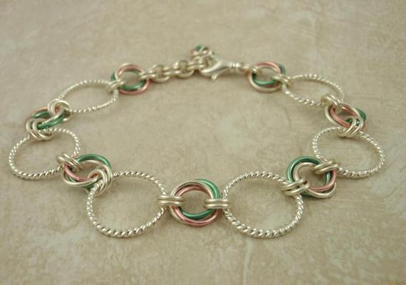 Multi-Color-Textured-Jump-Ring-Bracelet
