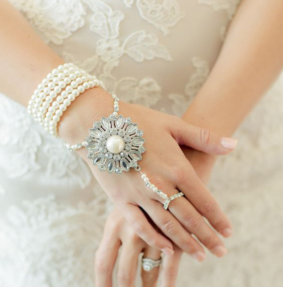 Vintage-Pearl-and-Rhinestone-Slave-Bracelet