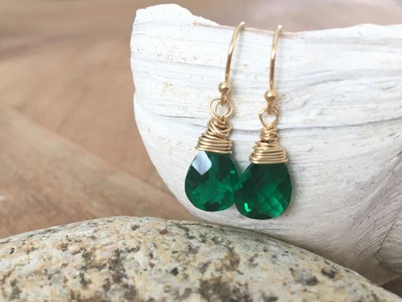 Briolette-Emerald-Birthstone-Month-Earrings
