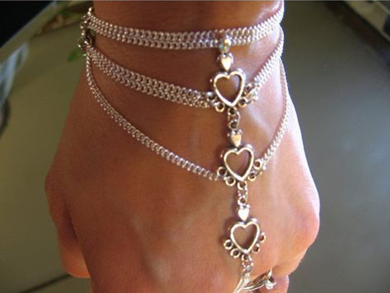 Heart-Link-Hand-Chain-Bracelet