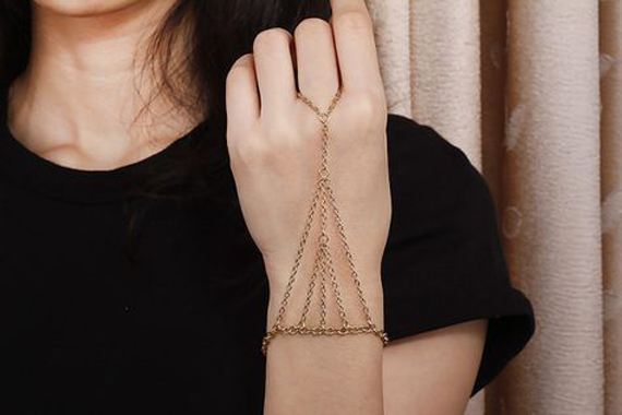 Pyramid-Hand-Chain-Bracelet