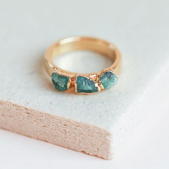 Raw-Emerald-Birthstone-Ring