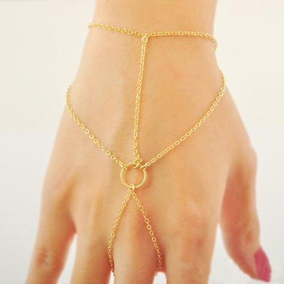 Star-Hand-Chain-Bracelet