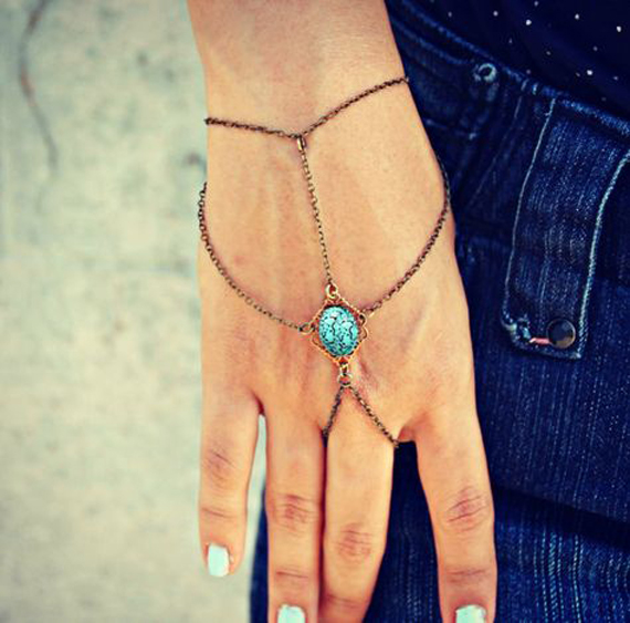 Turquoise-Center-Hand-Chain-Bracelet