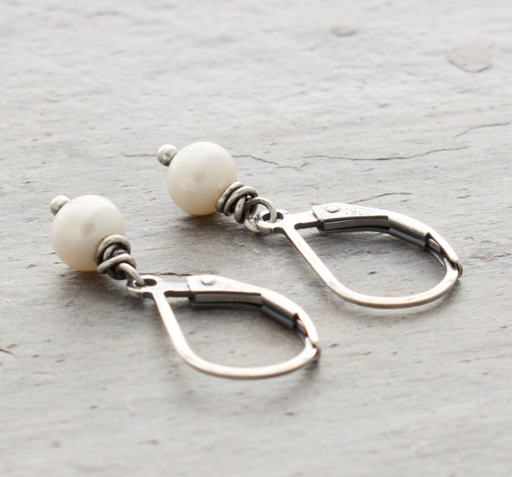 Freshwater-Pearl-Birthstone-Earrings