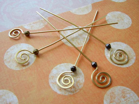 Gold-Spiral-Headpins