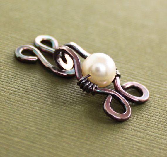 Hook-Clasp-with-Beaded-Pearl