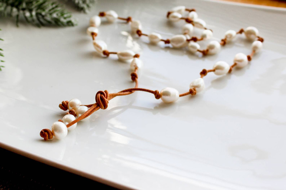 Pearl-Leather-Knotted-Necklace