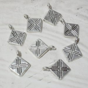 8pc Hanging Diamond Charms