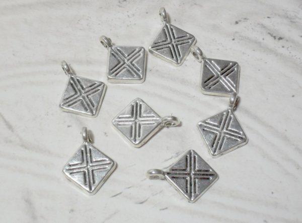 8pc Hanging Diamond Charms