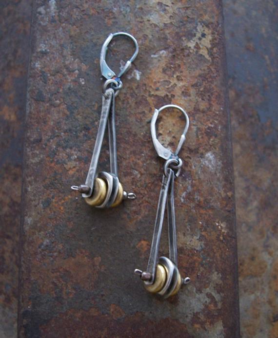 Pendulum-Mixed-Metal-Wire-Earrings