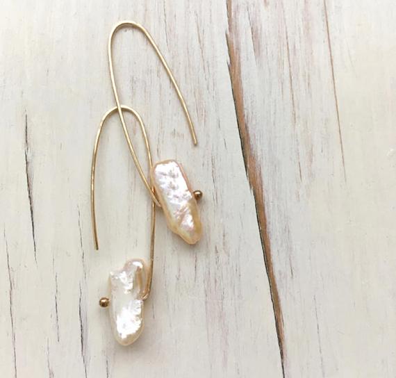 Fresh-Water-Pearl-Open-Hoop-Earrings