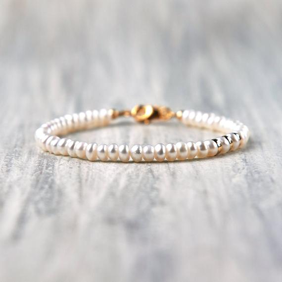 Freshwater-Pearl-Beaded-Birthstone-Bracelet
