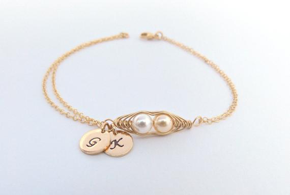 Pea-Pod-Birthstone-Pearl-Bracelet