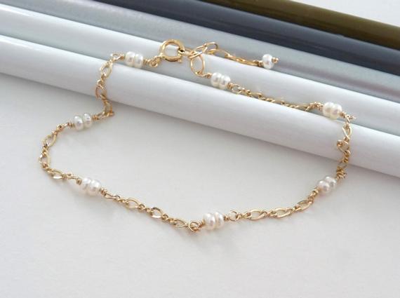 Pearl-Chain-Linked-Birthstone-Bracelet