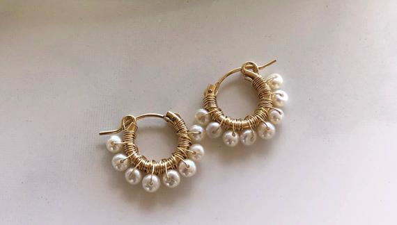 Wire-Wrapped-Hoop-Pearl-Earrings