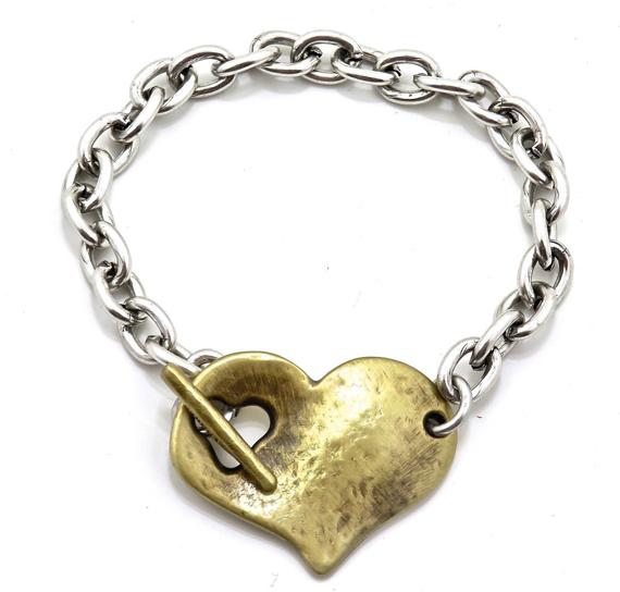 Heart-Closure-Chunky-Bracelet