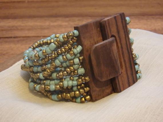 Seed-Beaded-Wood-Clasp-Chunky-Bracelet