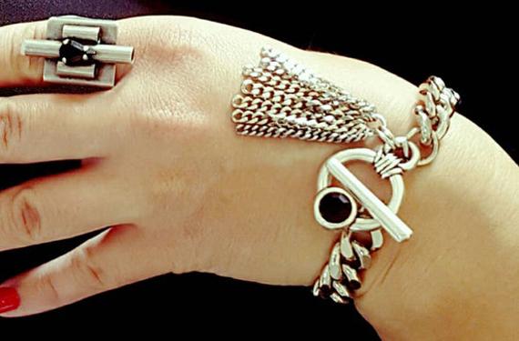 Silver-Linked-Chunky-Bracelet