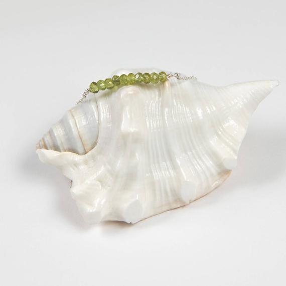 Peridot-Bar-Birthstone-Necklace