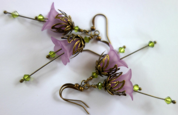 Peridot-Flower-Birthstone-Earrings