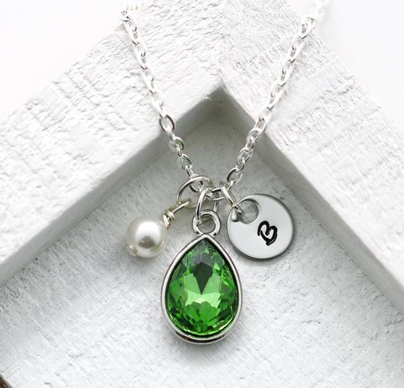 Personalized-Peridot-Birthstone-Pearl-Necklace