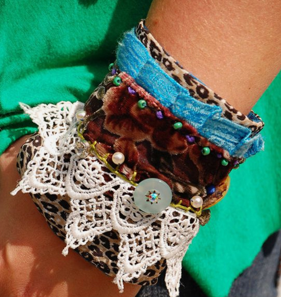 Beaded-Button-Fabric-Cuff-Bracelet