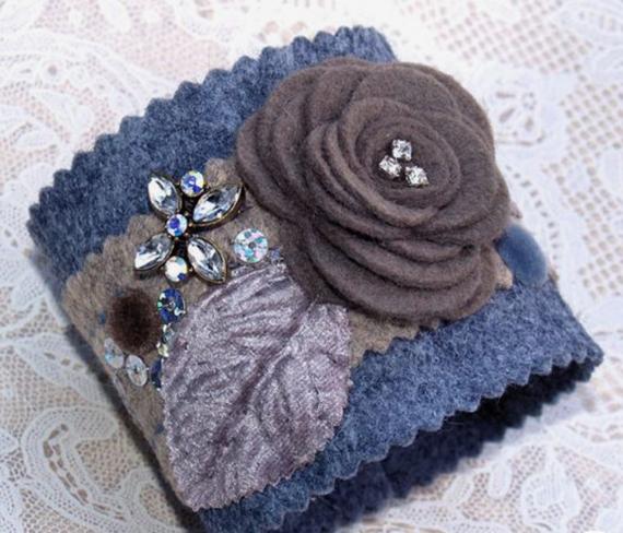 Blue-Felt-Flower-Fabric-Cuff